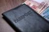 В аэропортах Москвы можно будет оплатить долги и сразу улететь на отдых