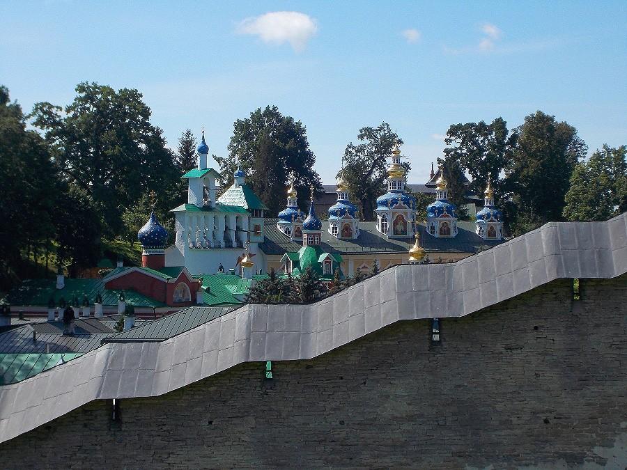 Свято-Успенский Псково - Печерский монастырь фотографии