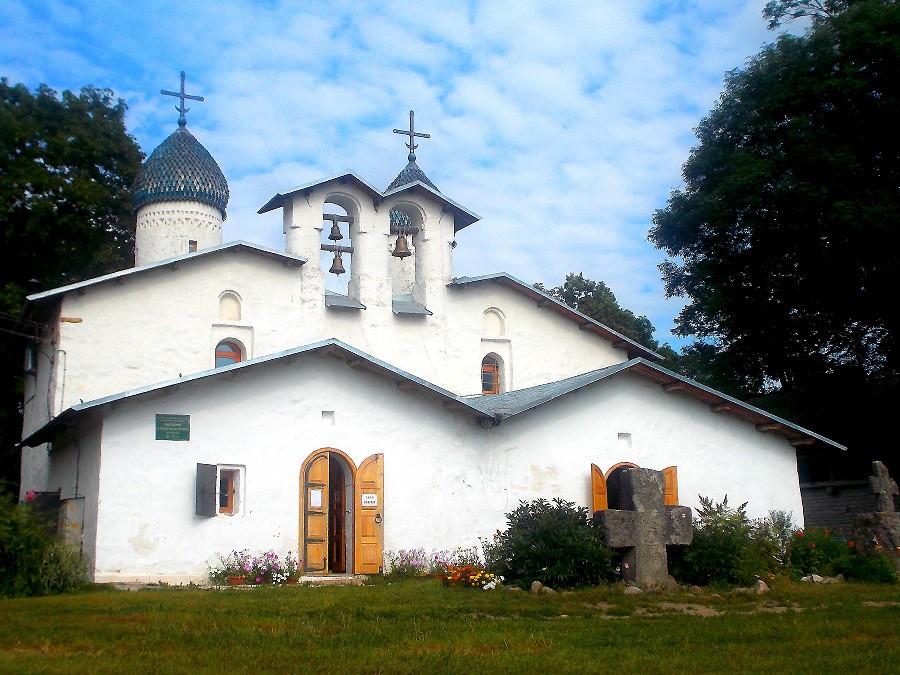 Церковь Покрова и Рождества Богородицы от Пролома фотографии