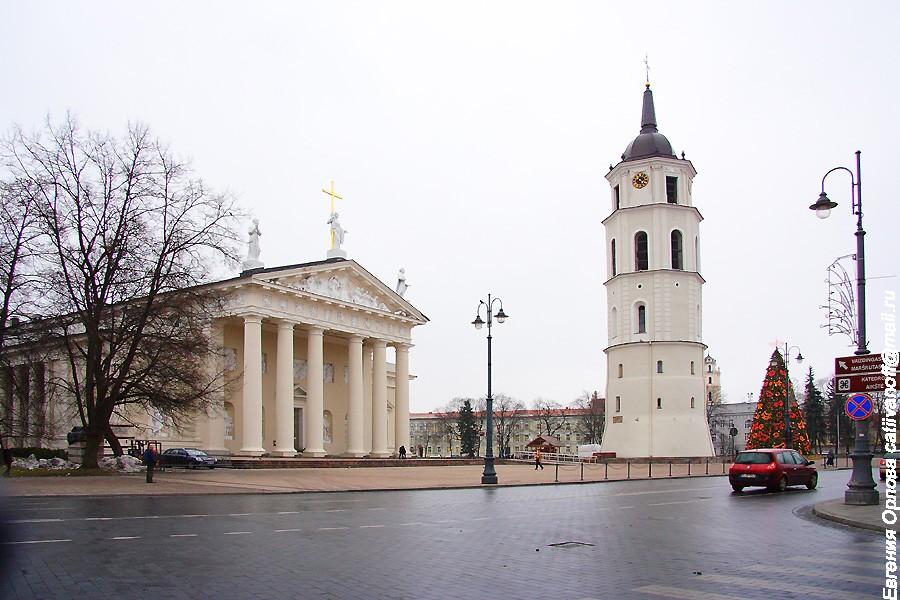 Кафедральный собор Святого Станислава и Святого Владислава фото
