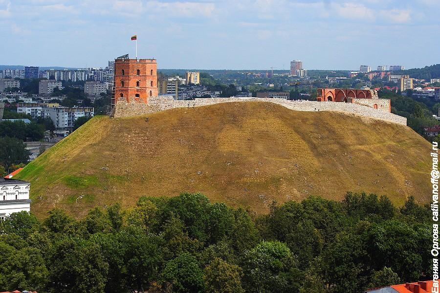 Замковая гора и башня Гедимина фото