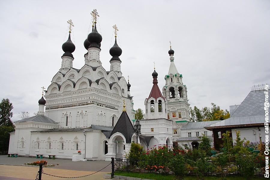 Свято-Троицкий монастырь фото