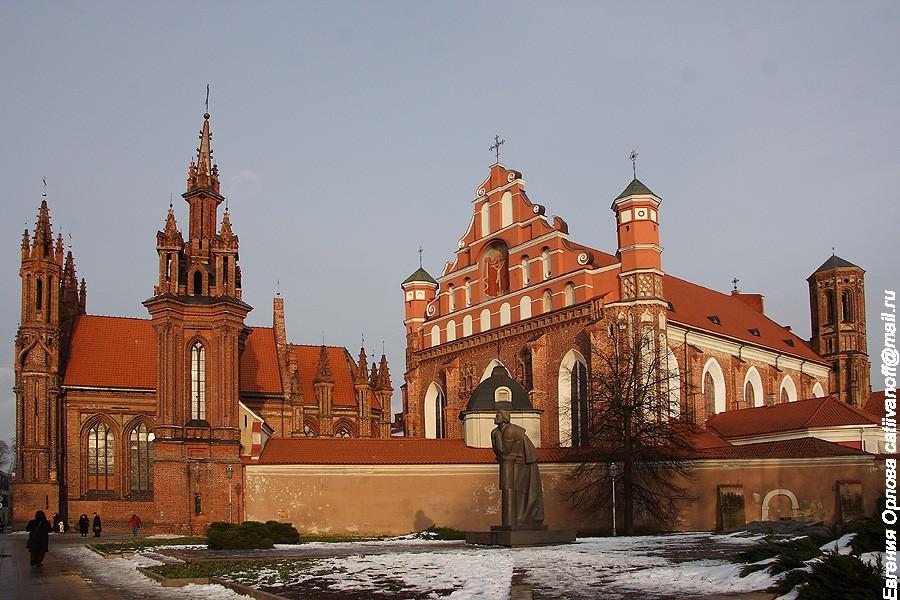 Костёл Святого Франциска Ассизского (Бернардинский костел) фото
