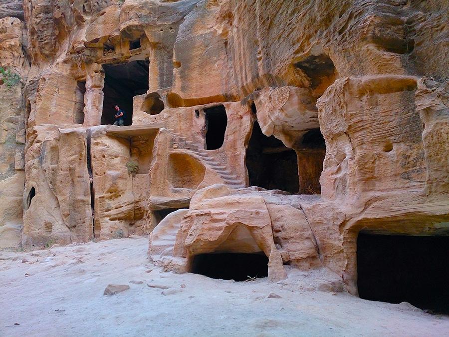 Малая Петра (Little Petra или Siq al-Barid)