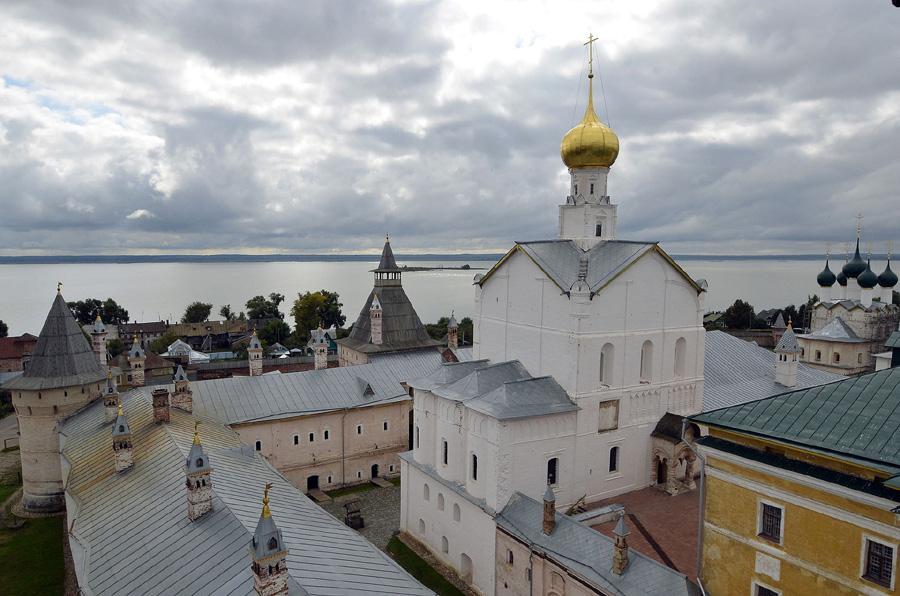 Церковь Спаса на Сенях (Спаса Нерукотворного) в Ростовском кремле фотографии