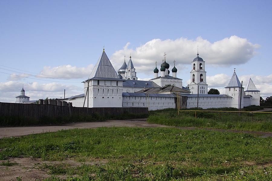 Крепостные стены и башни Никитский монастырь Переславль-Залесский фотографии
