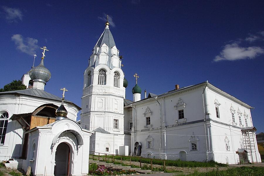 Колокольня шатровая  Никитский монастырь Переславль-Залесский фотографии