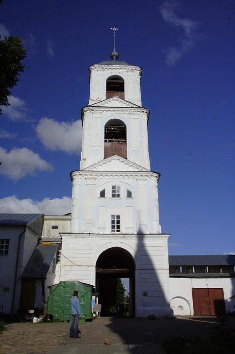 Колокольня надвратная  Никитский монастырь Переславль-Залесский фотографии