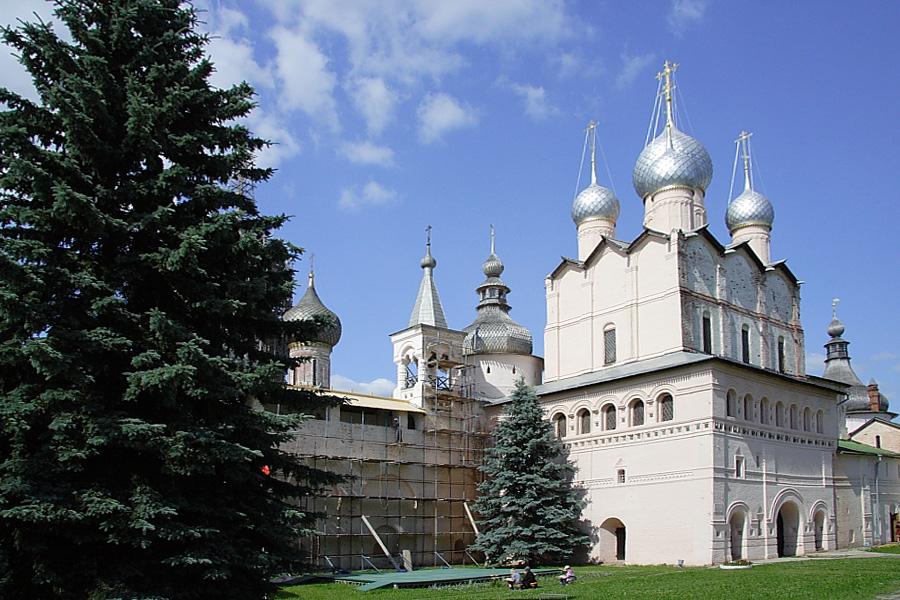 Надвратная церковь Воскресения в Ростовском кремле фотографии