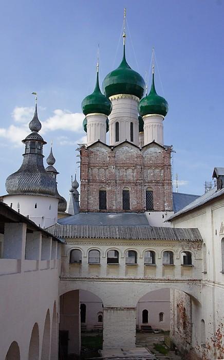 Церковь Иоанна Богослова в Ростовском кремле фотографии