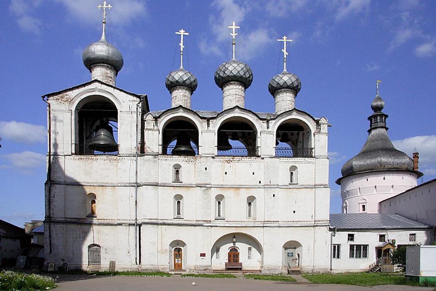 Звонница Успенского собора в Ростовском кремле фотографии
