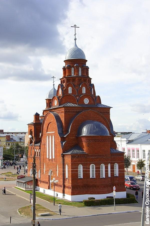 памятник Александру Невскому во Владимире фото