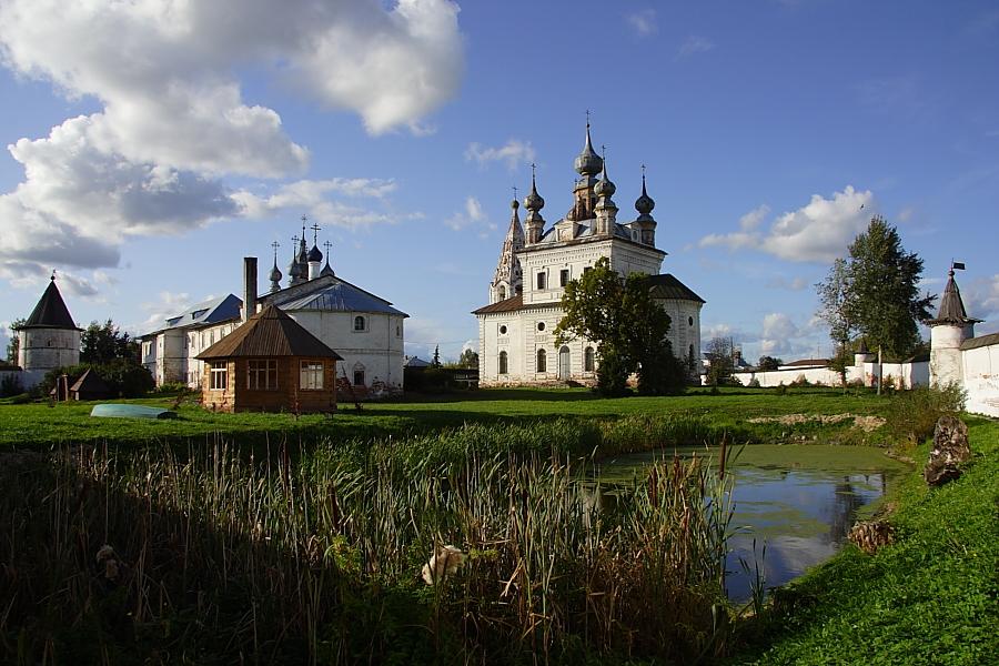 Михайло-Архангельский монастырь фото