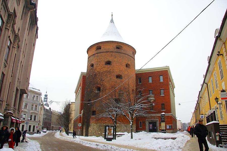 Пороховая башня фото
