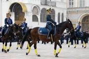 В Кремле возобновляется церемония развода караулов
