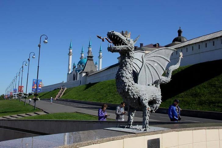Памятник дракону Зиланту