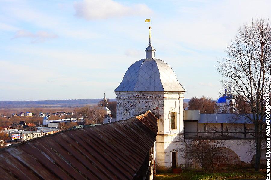 крепостные стены и башни  в Горицком монастыре Переславль-Залесский фотографии