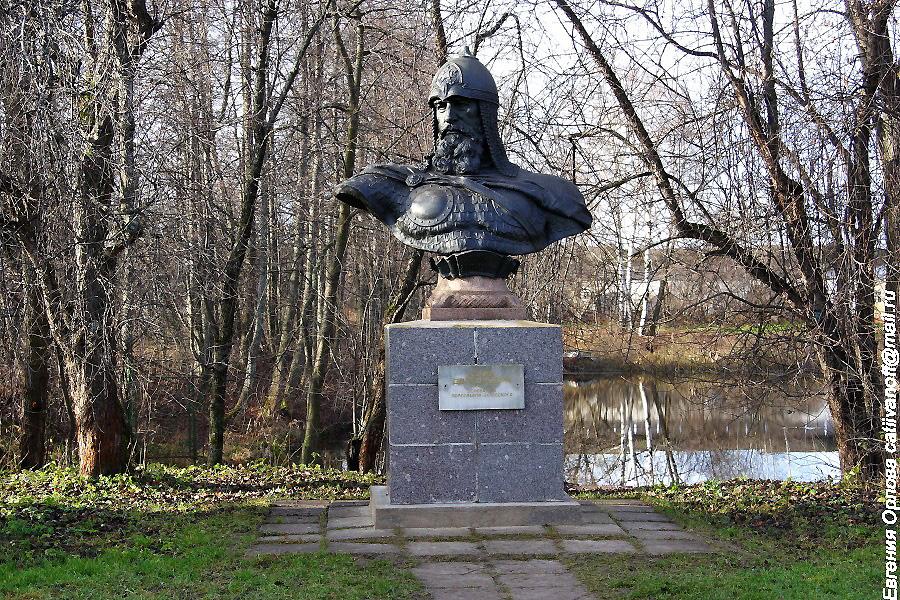бюст Юрия Долгорукого в Горицком монастыре Переславль-Залесский фотографии
