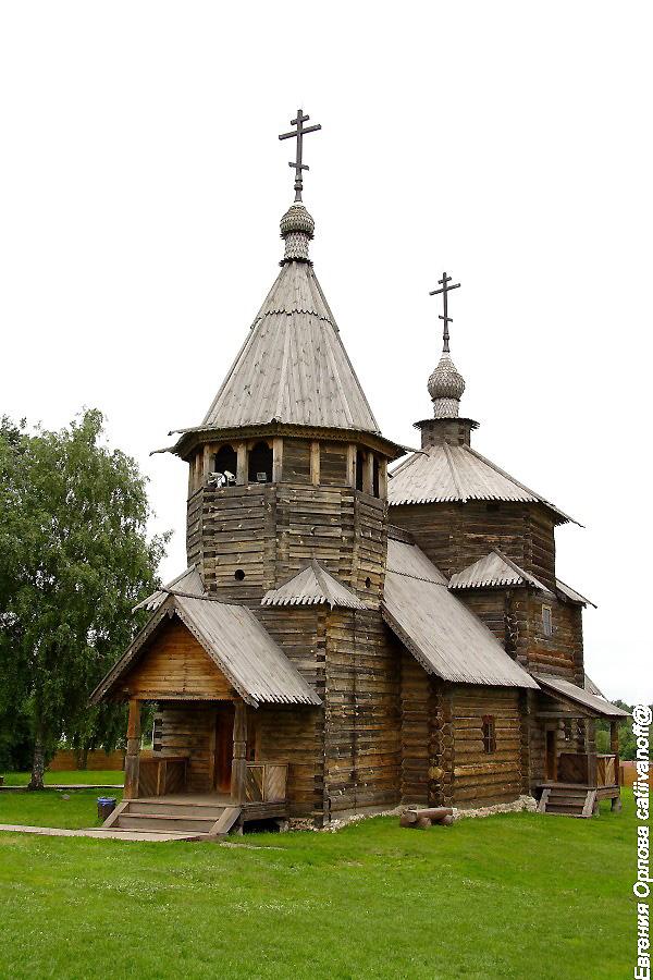 Воскресенская церковь в Суздале фотографии