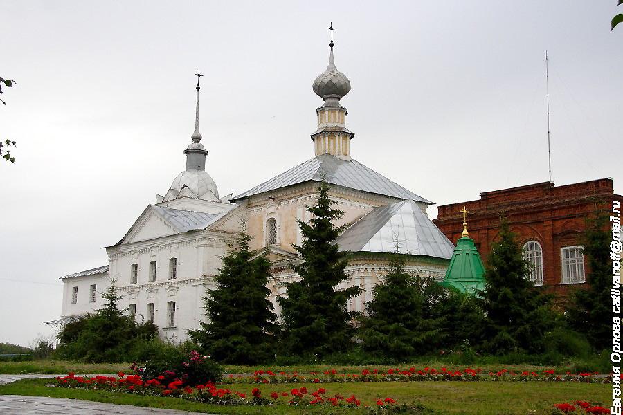 Кресто-Никольская церковь в Суздале фотографии
